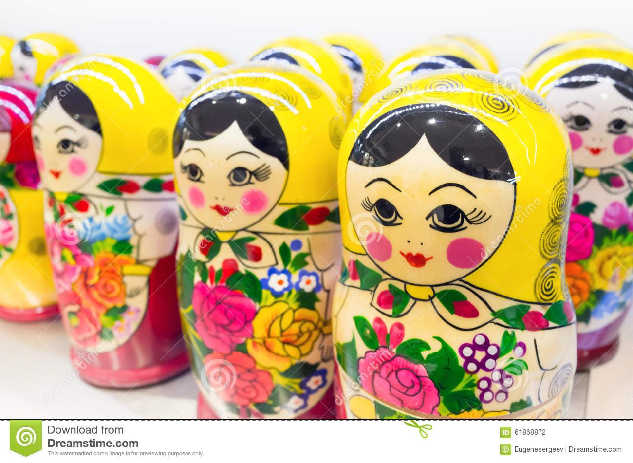 Matryoshka Également Connu Sous Le Nom De Poupées Russes D pour Nom Poupée Russe