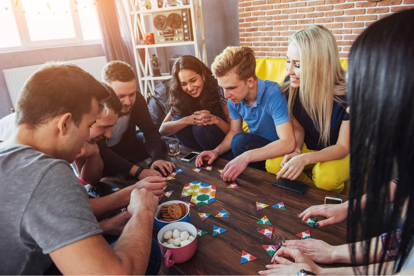 Meilleurs Jeux De Société Entre Amis - Notre Top 15 (En 2020) avec Jeu En Ligne Pour Adulte
