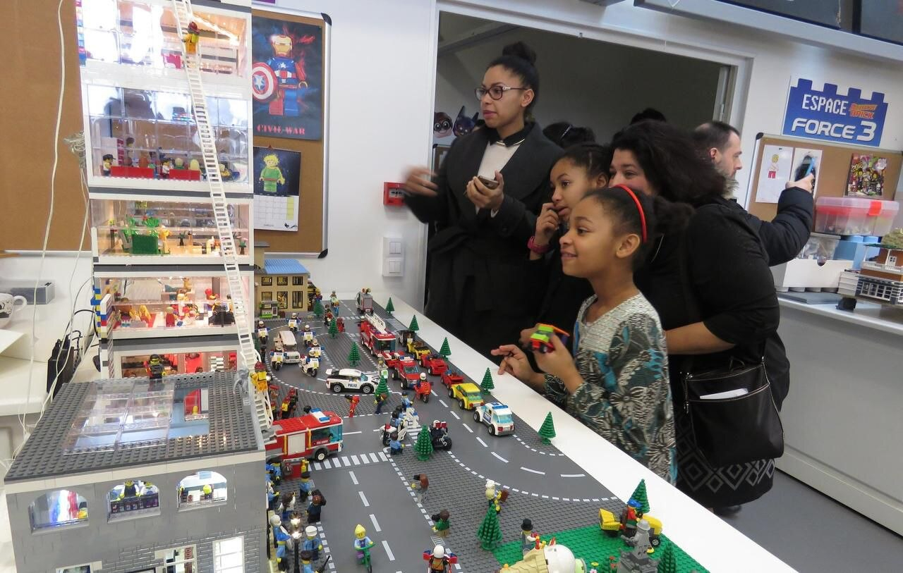 Montereau : Pour Guillaume Et Sabrina, Les Lego Ça Casse Des encequiconcerne Casse Brique Enfant