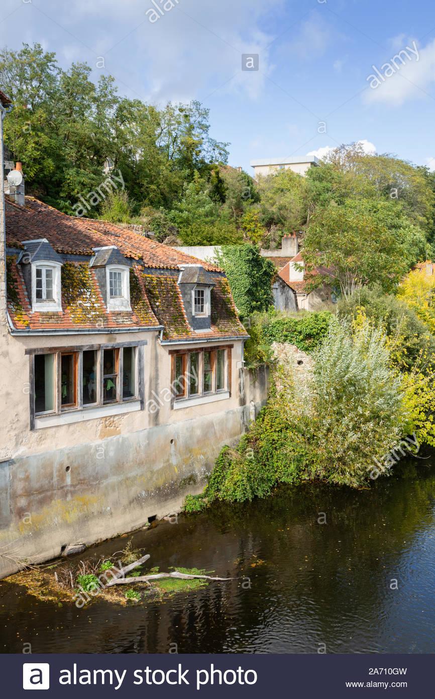 Montmorillon, Vienne Department, Nouvelle-Aquitaine Region pour Nouvelle Region France