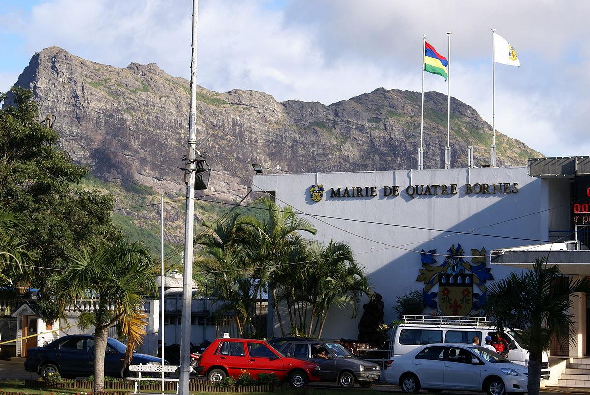 Municipal Council Of Quatre Bornes - Wikipedia tout Un Mot Pour Quatre Images