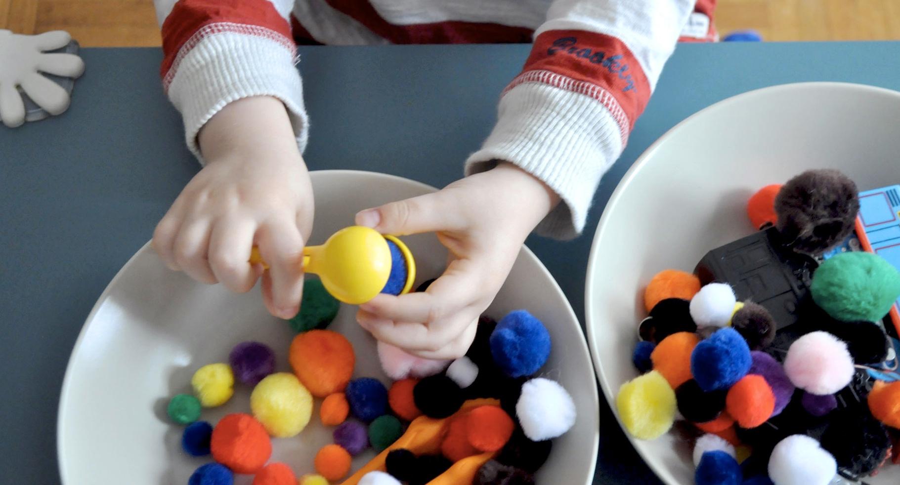 Nos Activités Préférées D'inspiration Montessori Pour Les 2 destiné Activité Manuelle Enfant 4 Ans