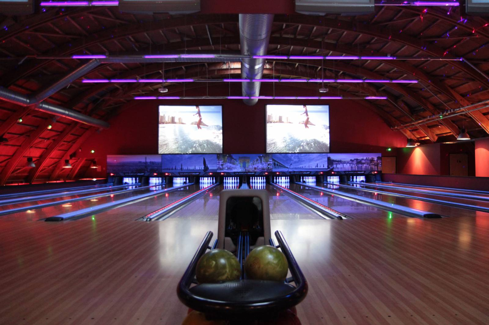 Organiser Un Anniversaire Surprise Dans Un Bowling Près De intérieur Jeux Gratuits De Bowling