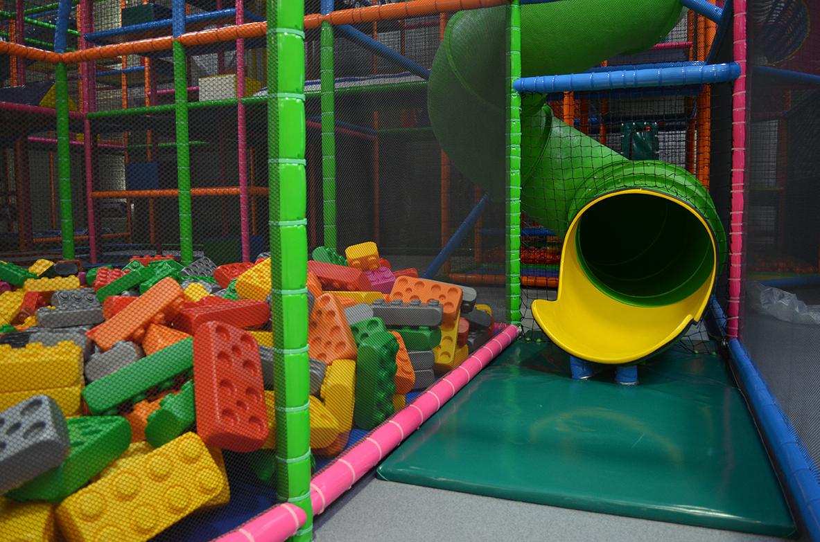 Parc De Jeux Pour Les Enfants À Cholet - Kidimundi avec Jeux Pour Enfant De 6 Ans