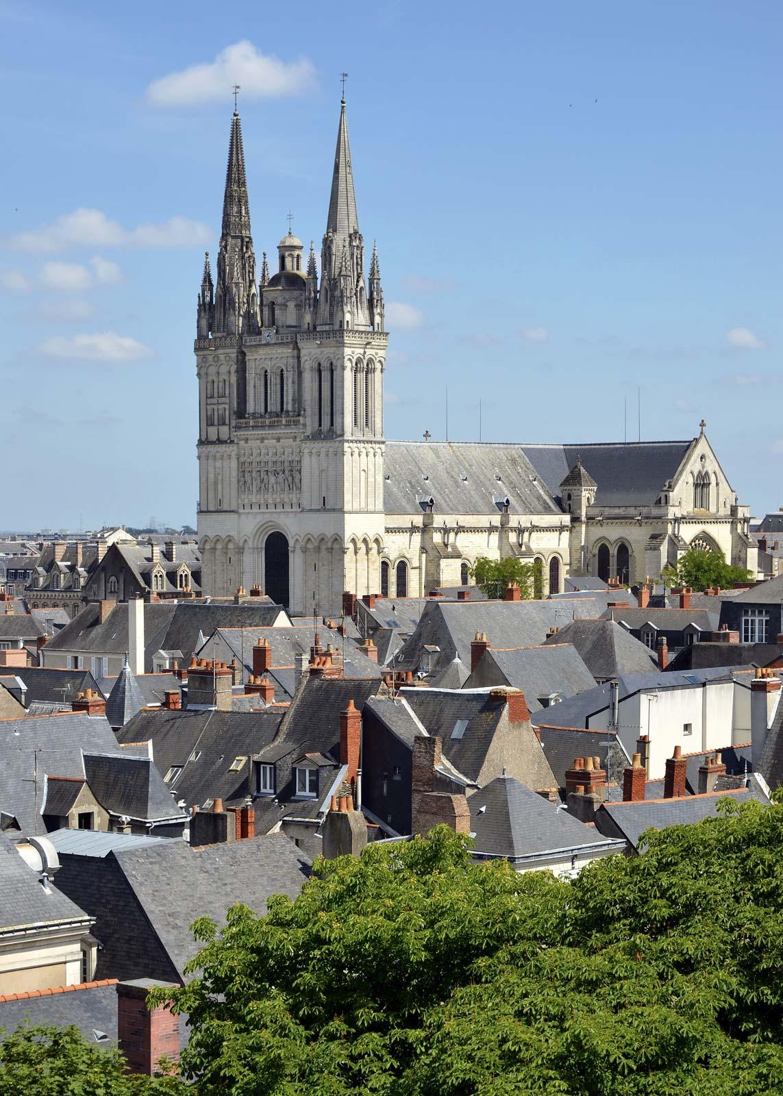 Pays De La Loire | History, Geography, & Points Of Interest intérieur Combien De Region En France