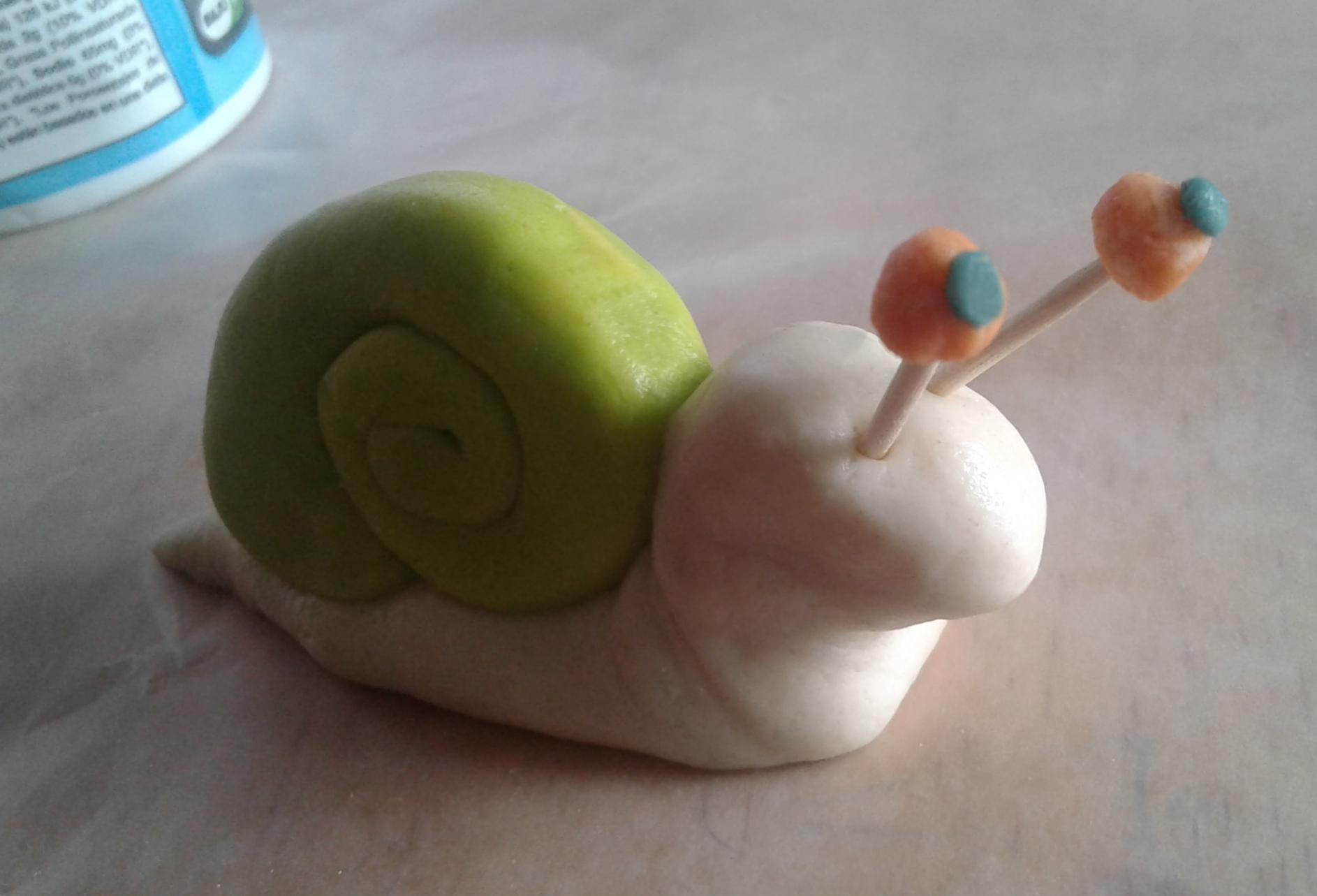 Petit Escargot En Pâte À Sel Étape Par Étape - Un Jour Un Jeu destiné Jeux Gratuit Escargot