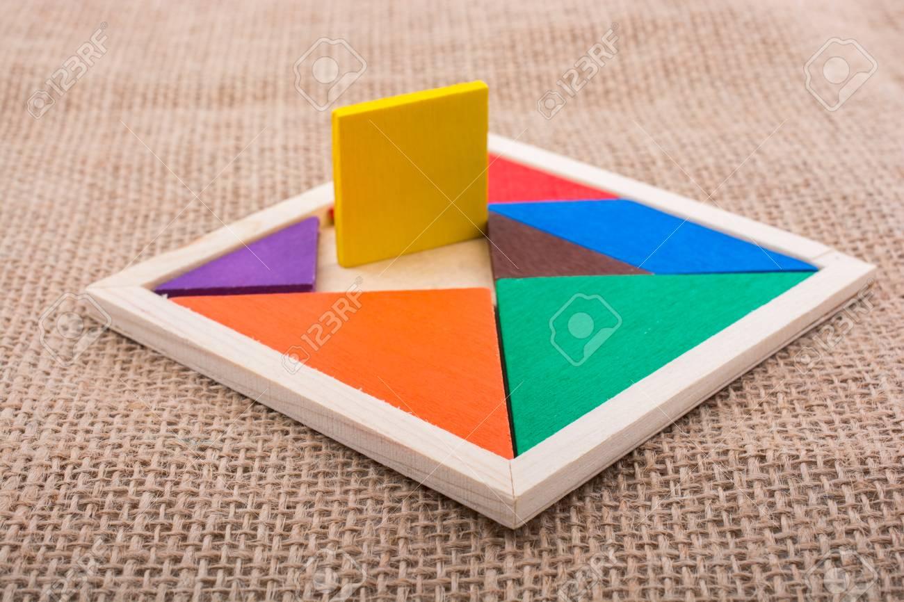 Pièces Colorées D'un Puzzle Tangram Carré dedans Tangram Carré
