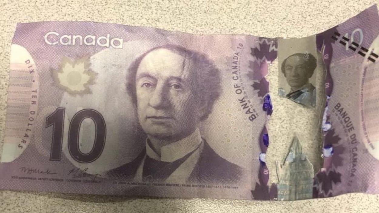Plusieurs Faux Billets De Banque Circulent À Moncton | Radio intérieur Billet De 100 Euros À Imprimer