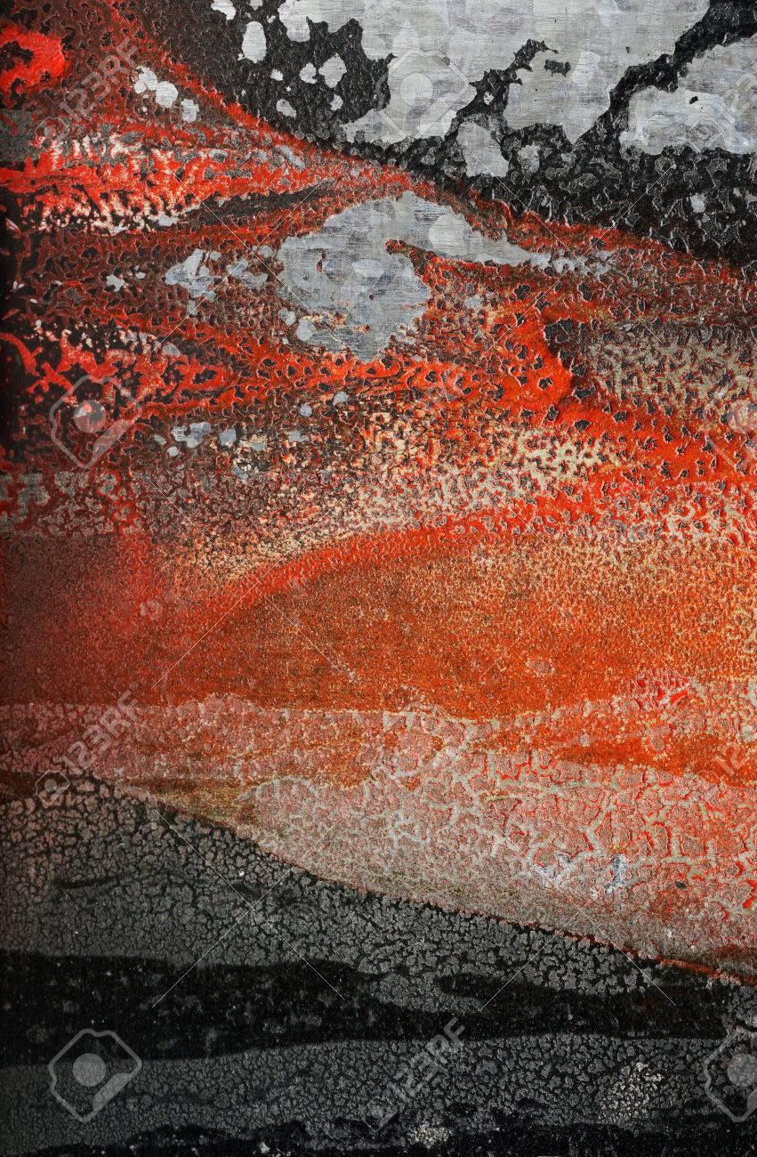 Relief Formes Sur Le Mur Formé Par Craquage, Orange Séchée Et Noir Peinture  Vibrante. Abstrait Fond Grunge Texturé-Gros Plan. Surface Rugueuse Et destiné Association De Formes