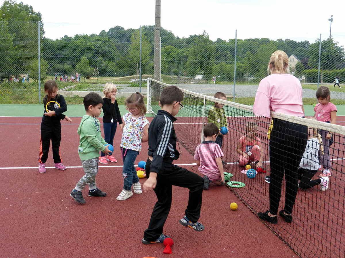 Rencontres Sportives Des Enfants De Maternelle Du Pays De destiné Jeux Pour Jeunes Enfants