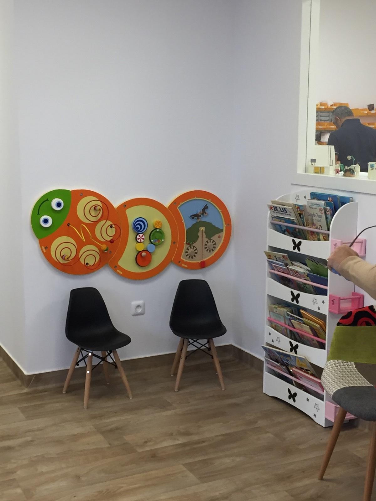 Salle D'attente Pour Enfants Chez Un Dentiste encequiconcerne Jeux Pour Jeunes Enfants