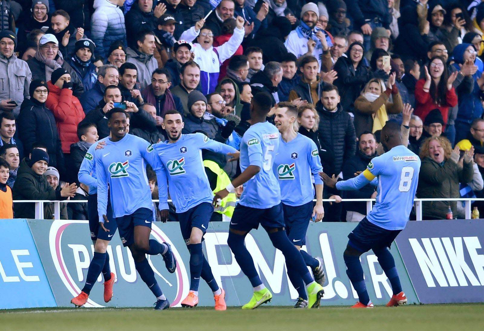 Sport | [Vidéo] Coupe De France : L'om Prend Un But Gag De avec Jeux De Gardien De Foot