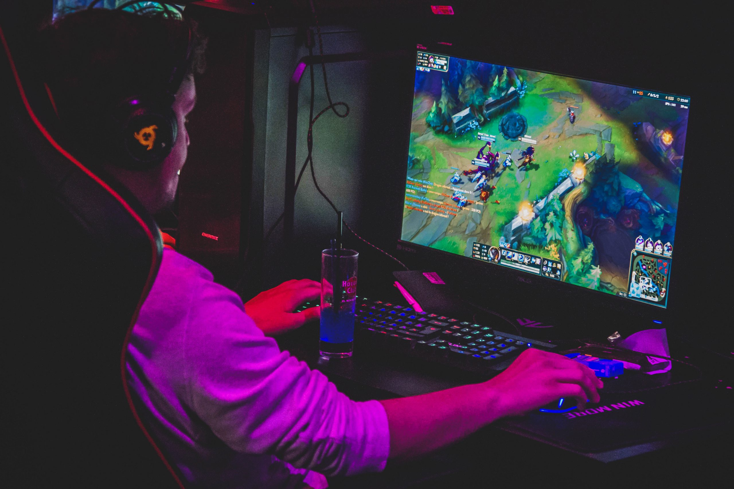 Stormwin – Rouen – Bar Gaming intérieur Jeux De Grand Garçon