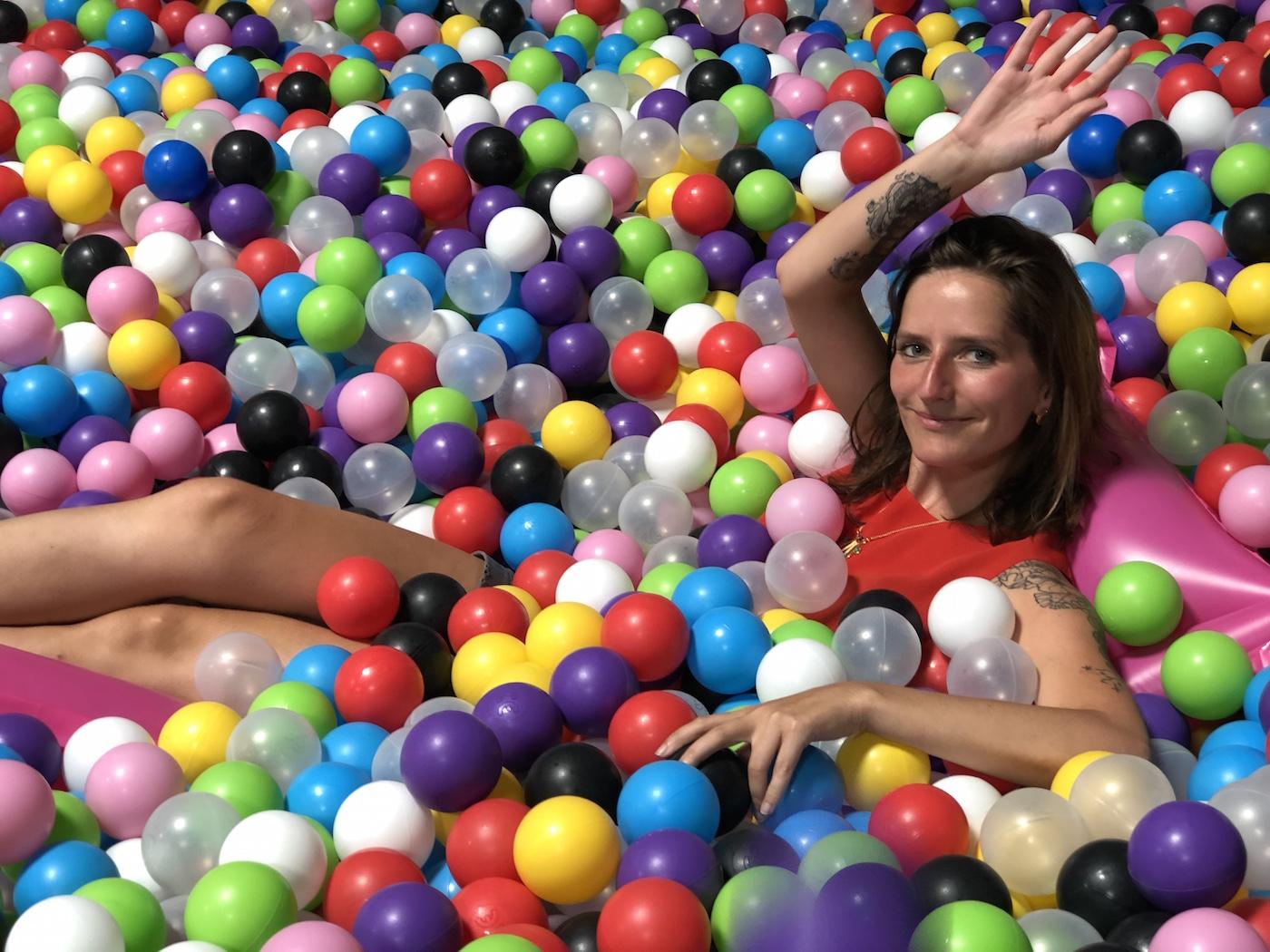 Strasbourg : Une Salle De Jeux Gonflables Pour Adultes Vient avec Jeu En Ligne Pour Adulte