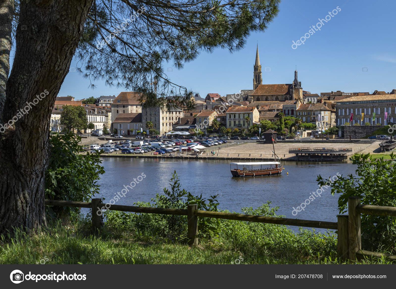 Town Bergerac Dordogne River Nouvelle Aquitaine Region concernant Nouvelle Region France