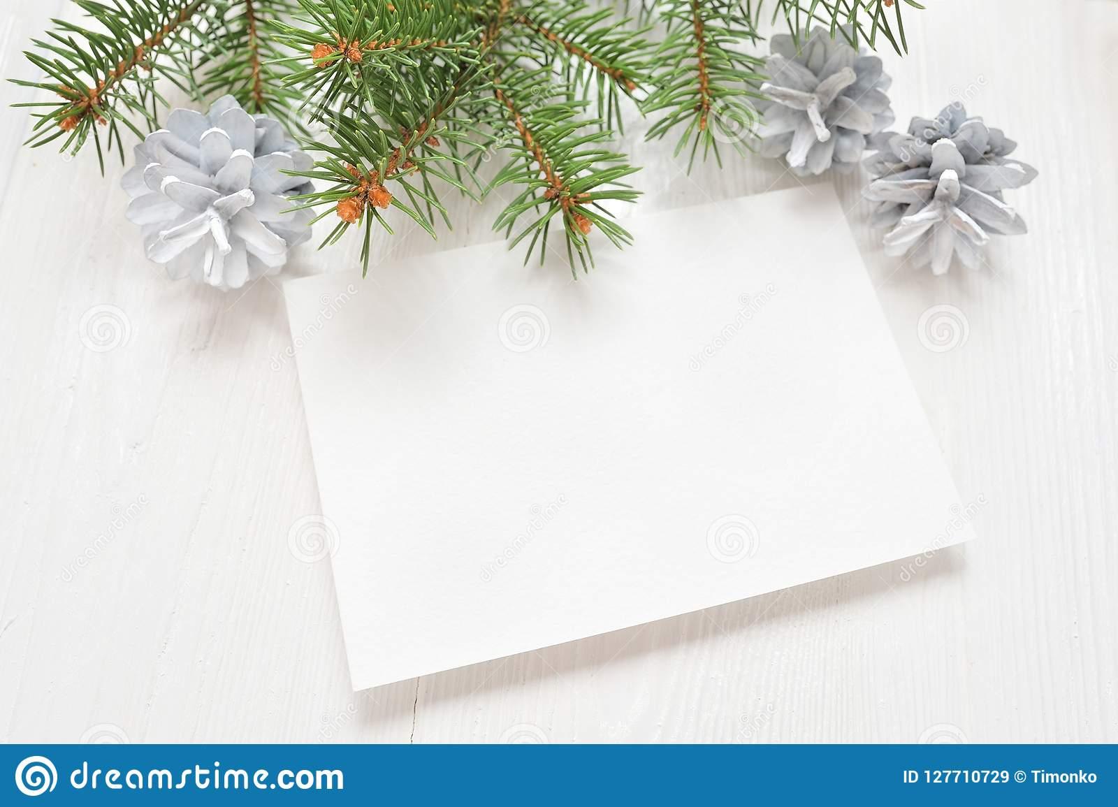 Videz La Feuille De Papier Blanche Sur Un Fond De Noël Blanc tout Papier Lettre De Noel