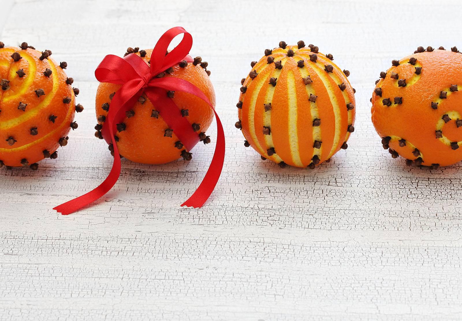 Activité Manuelle : Les Oranges De Noël - Family Sphere tout Activités Manuelles Enfants Noel