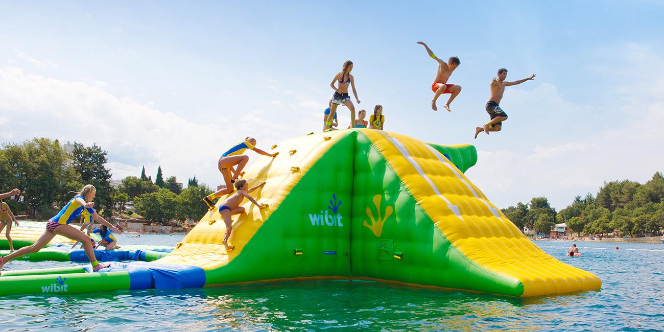 Aquazilla, Obstacle Course On The Water - Parc Jean-Drapeau destiné Jeux De Course Online