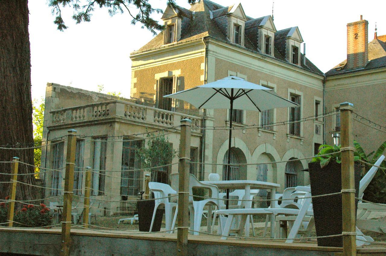Bed And Breakfast La Grande Maison, Pas-De-Jeu, France concernant Jeux De Grande Maison