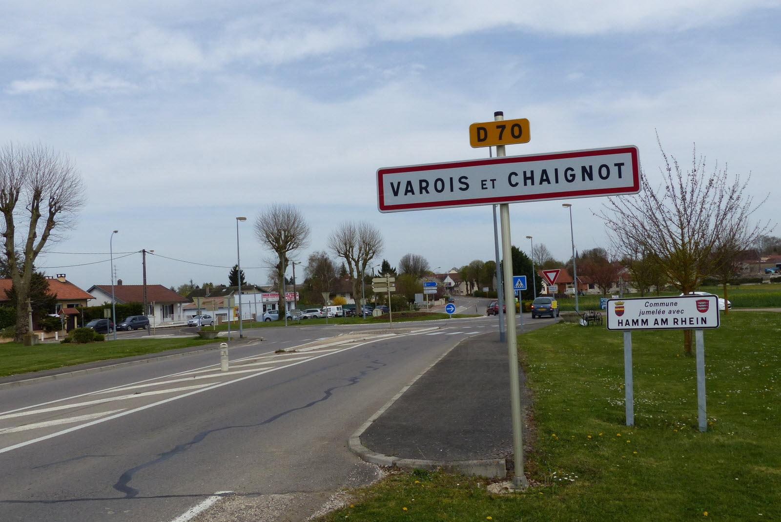 Côte D'or   Villes Et Villages Où Il Fait Bon Vivre : 4 avec Jeu Villes France
