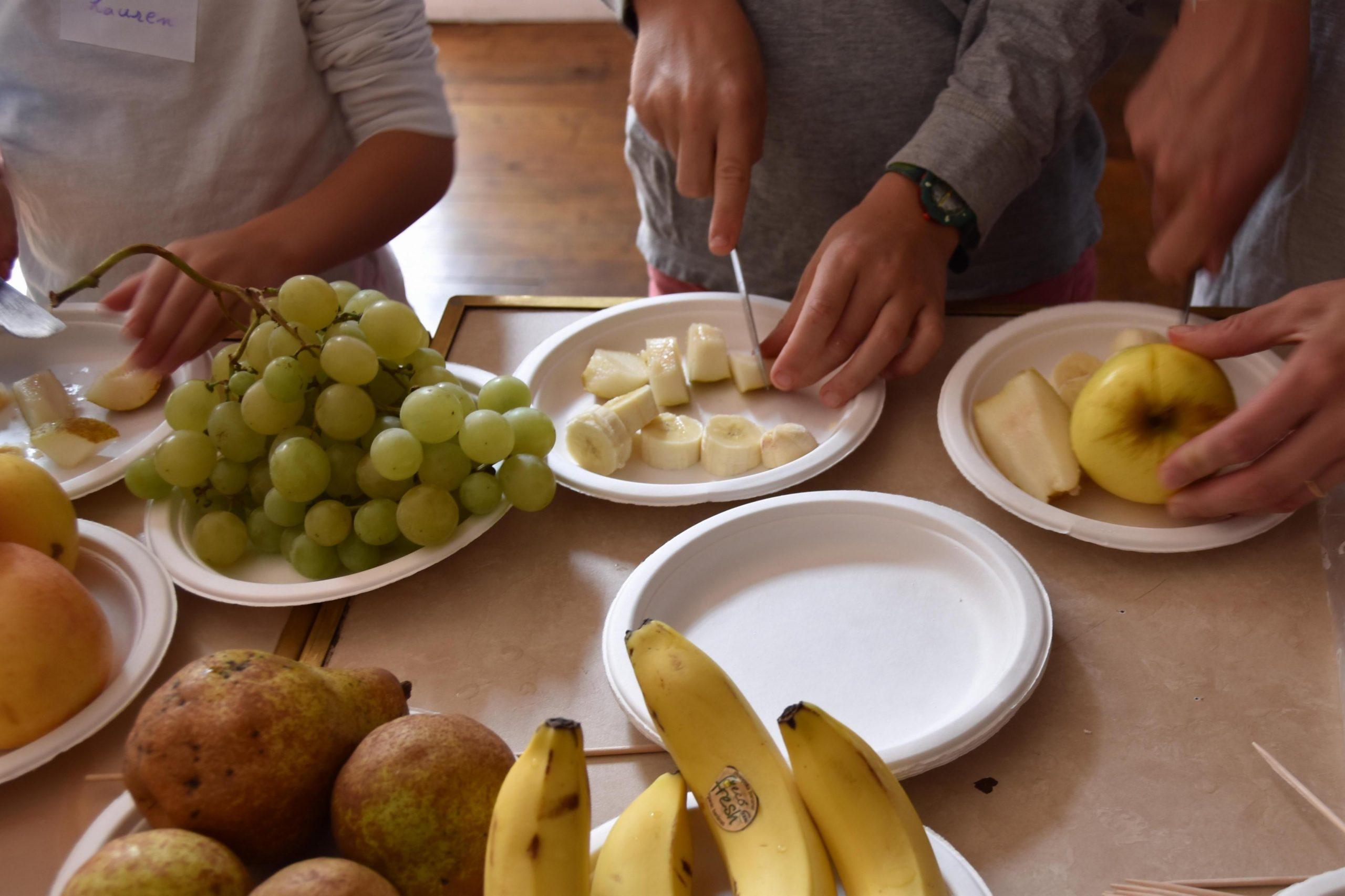 Couper Les Fruits Et Légumes, Un Jeu D'enfants ! | Le Blog dedans Jeux De Fruit Et Legume Coupé