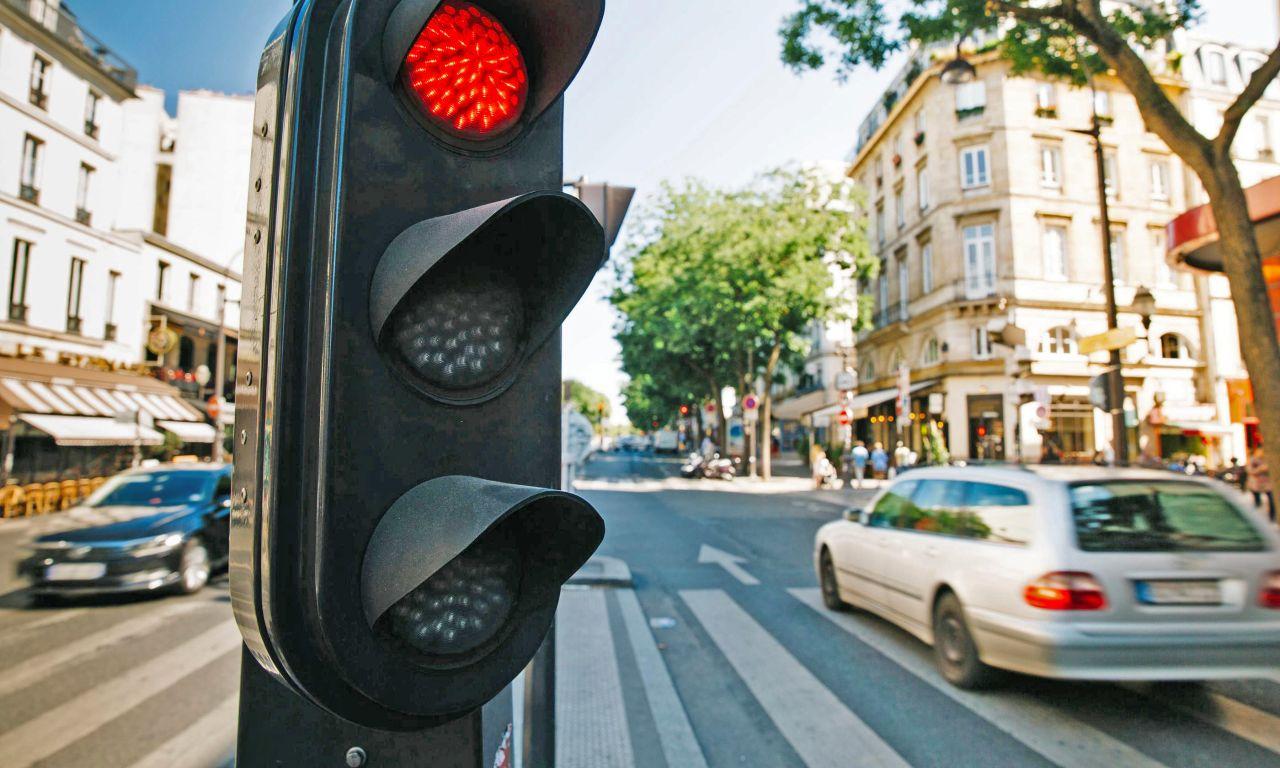 Feux Rouges Grillés : «On Le Fait Tous, Non ?» - Le Parisien encequiconcerne Jeux De Voiture Avec Feu Rouge