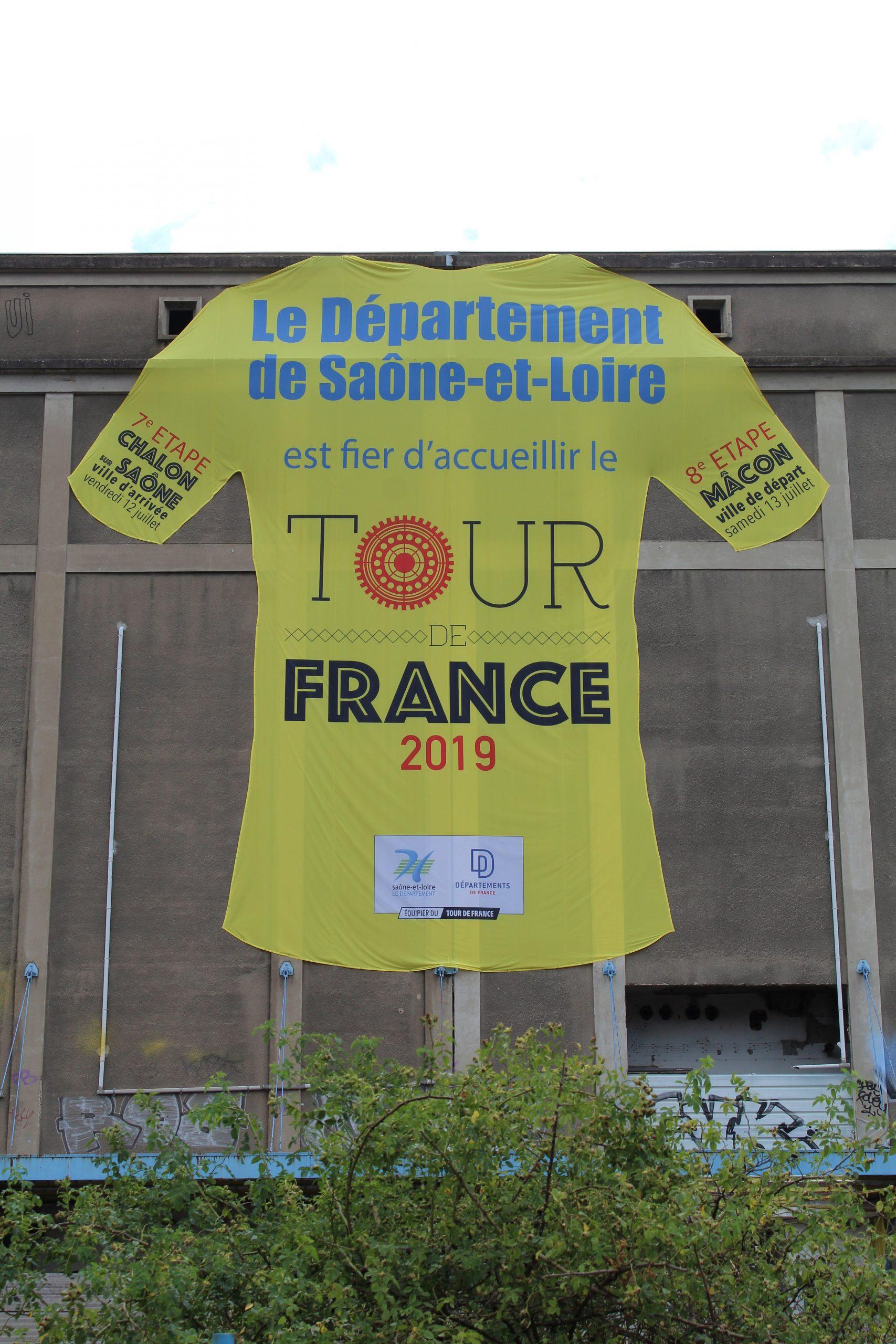 File:arrivée 7E Étape Tour France 2019 2019-07-12 St Rémy pour Departement 12 En France