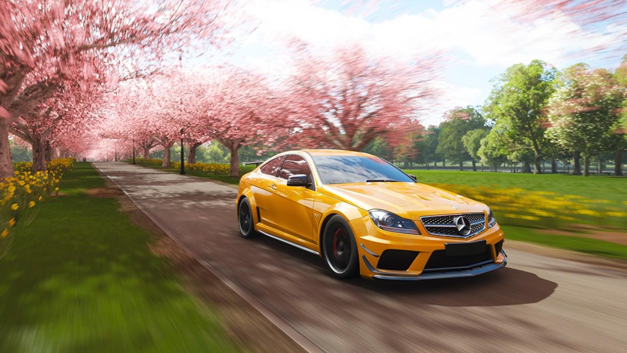 Fonds D'ecran Mercedes-Benz Forza Horizon 4 Amg 2018 C63 pour Le Jeu De La Voiture Jaune