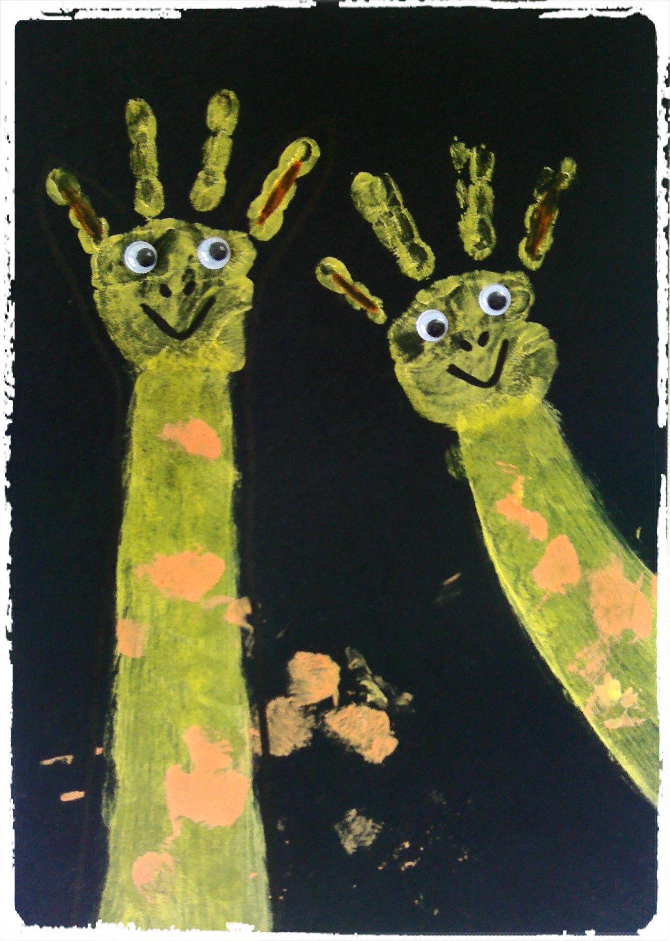 Girafe : Empreinte De Mains - | Girafes, Activité Manuelle avec Activité Manuelle Afrique