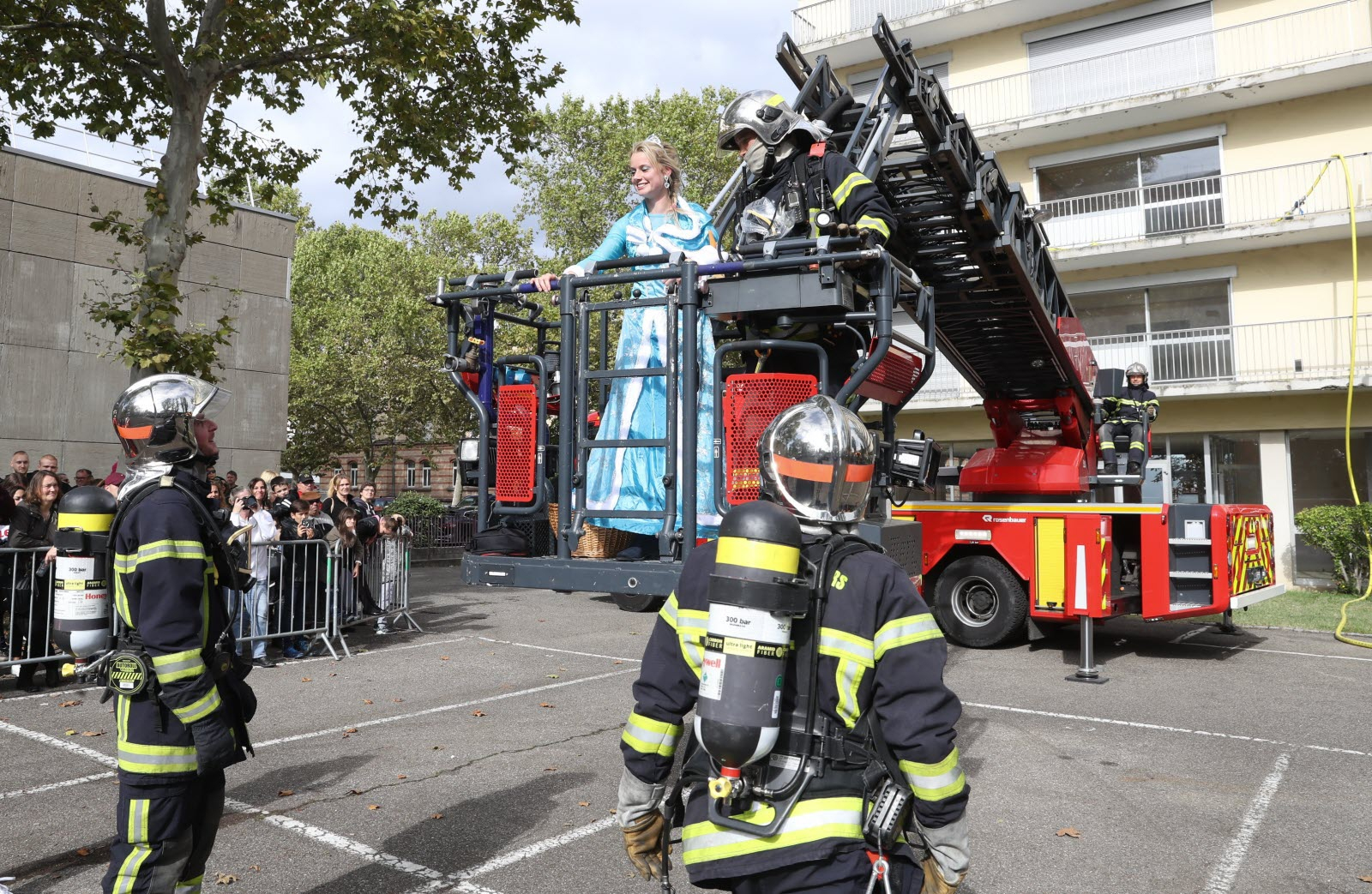Insolite | [Diaporama] Au Jeu Les Pompiers Au Centre De intérieur Jeu De Pompier Gratuit