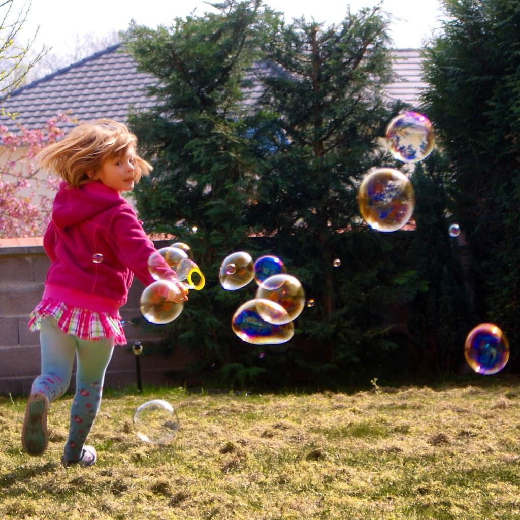 Jeux Bulles Bubbles | Claudine O | Flickr intérieur Jeux Des Bulles