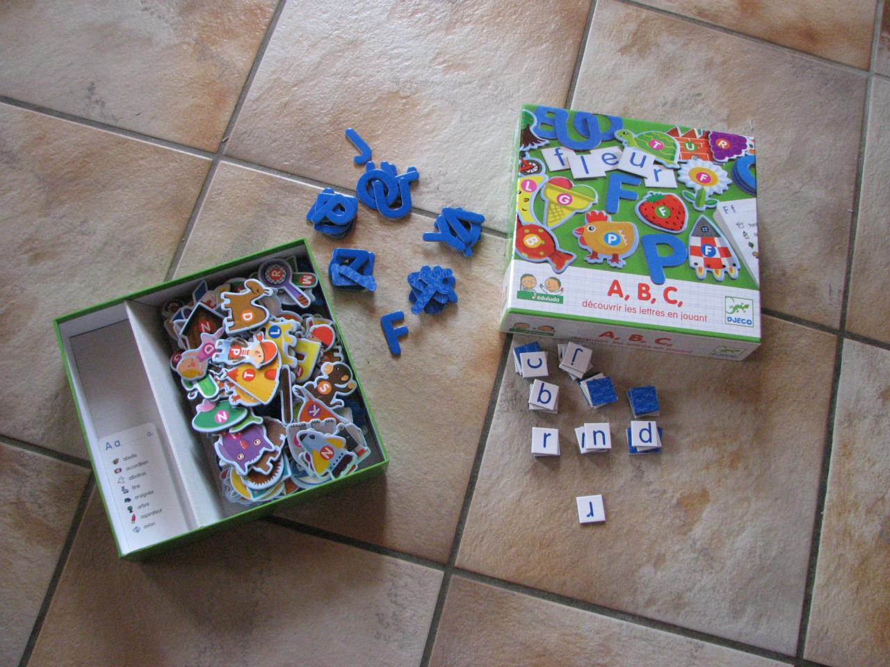 Jeux De Société - .laboutiquedesophie.ch à Apprendre Les Lettres En Jouant