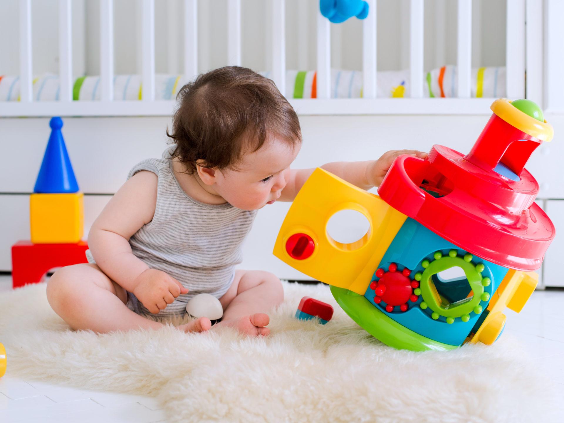 Jeux Et Jouets D'éveil Éducatif Pour Les Enfants À Partir De avec Jeux D Eveil Bébé 2 Mois
