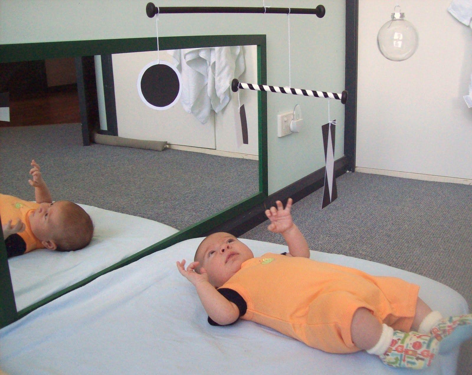 Jeux Montessori Pour Enfants De 0 À 6 Mois | Crèche Et Halte à Bebe 6 Mois Eveil