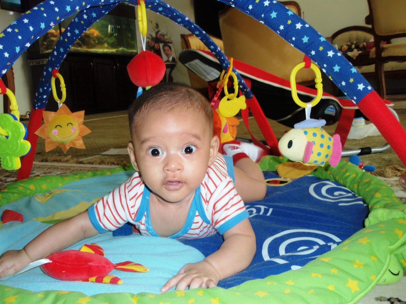 Jouet D Éveil Bébé 4 Mois - L'univers Du Bébé à Jeux Eveil Bebe 2 Mois