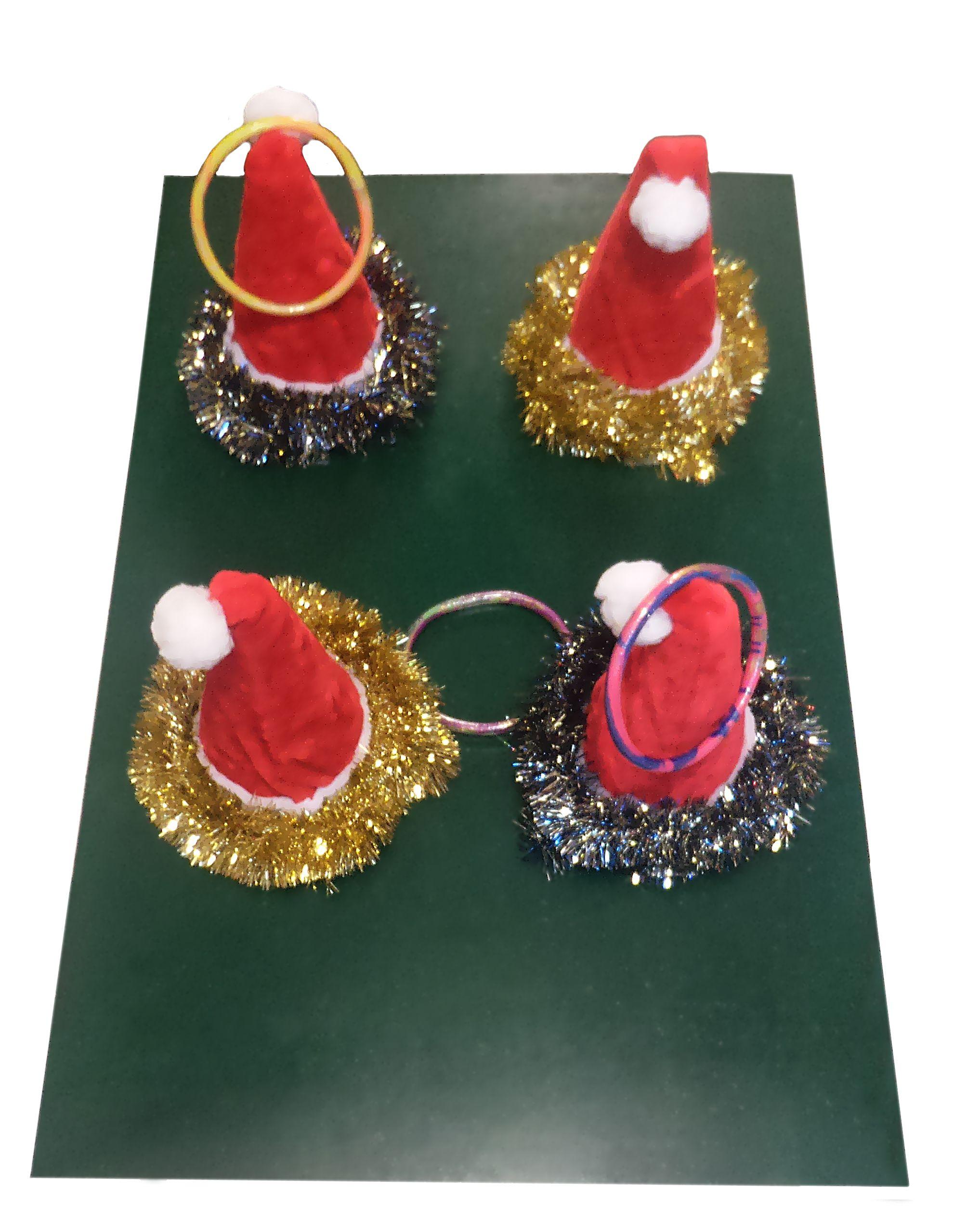 Le Jeu Des Chapeaux De Noël Constitue À Lancer Les Anneaux concernant Jeu Des Chapeaux