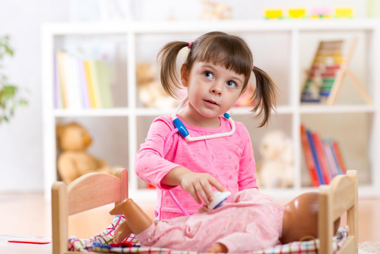 Le Jeu D'imitation, Déterminant Dans Le Développement De L à Jeu De Bebe Pour Fille