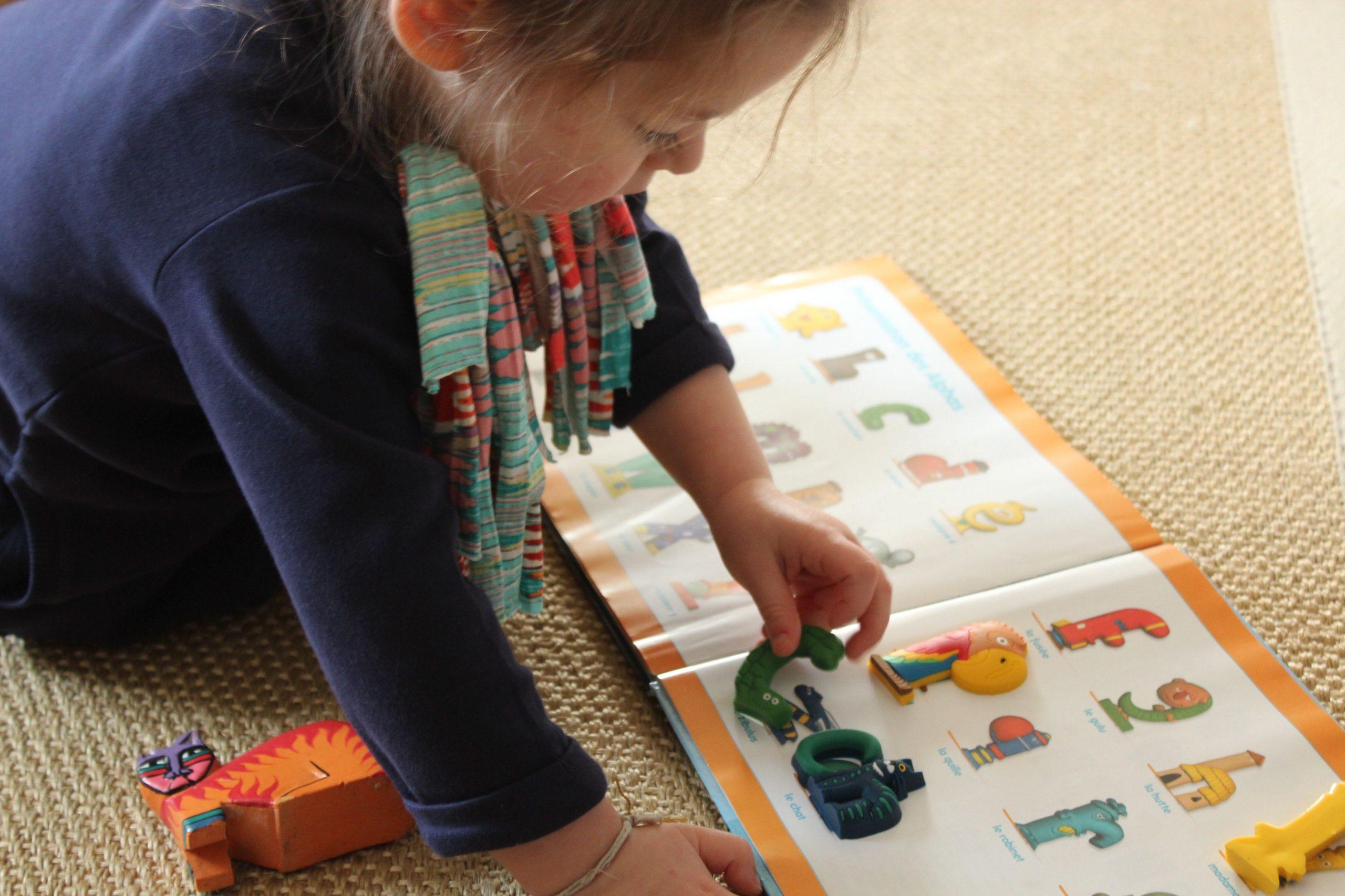 Les Alphas À La Maison: Apprendre En S'amusant. - Ritalechat à Apprendre Les Lettres En Jouant