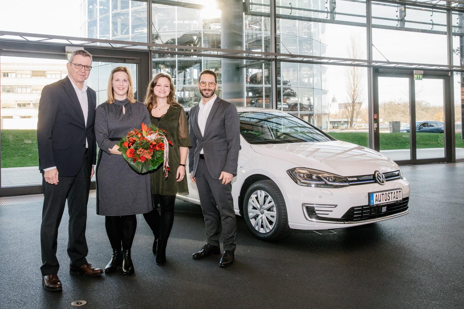 Magazine Automobile   Volkswagen À Plein Régime, Une Voiture destiné Plein De Jeux De Voiture