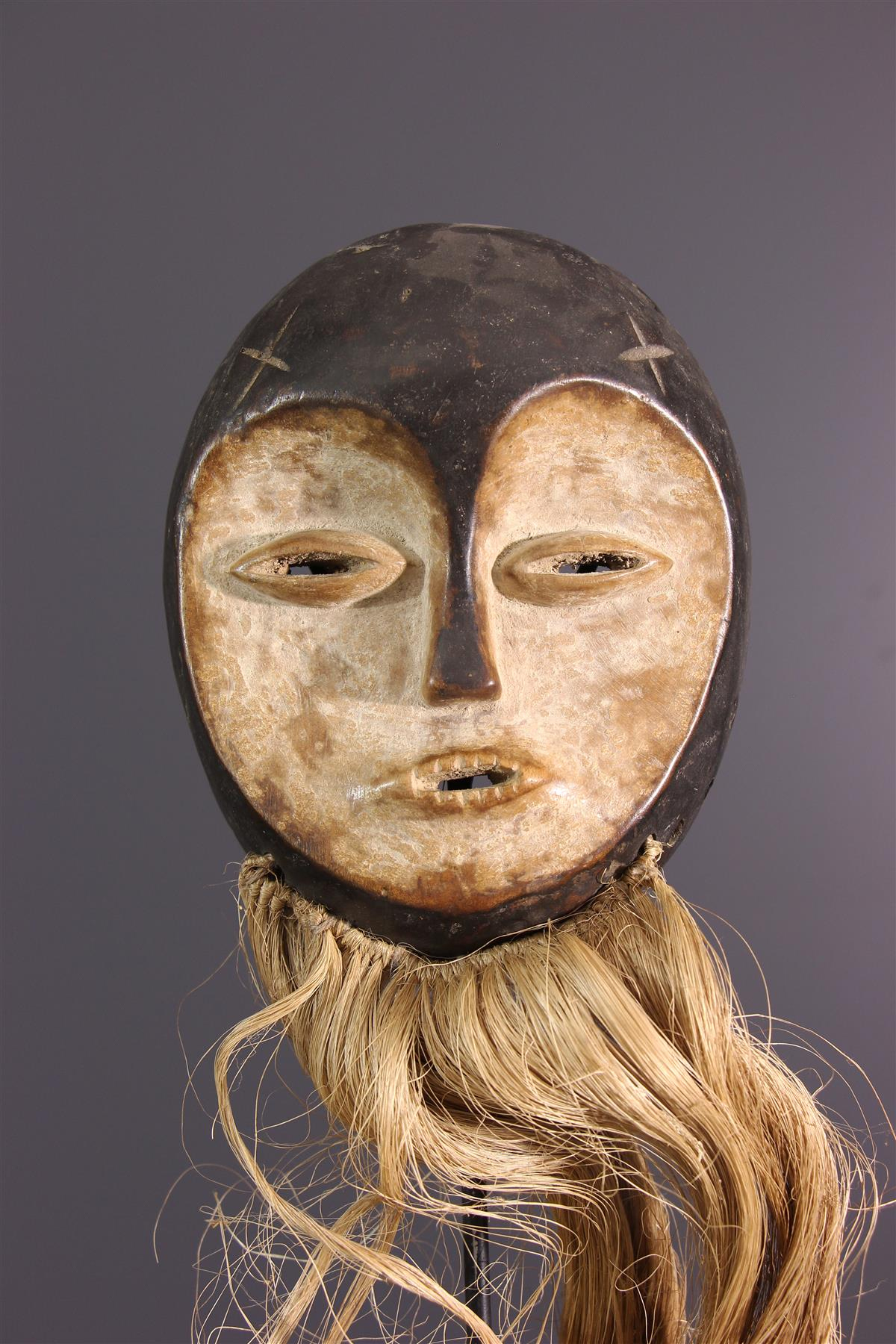 Masque Lega Idumu encequiconcerne Masque Afriquain