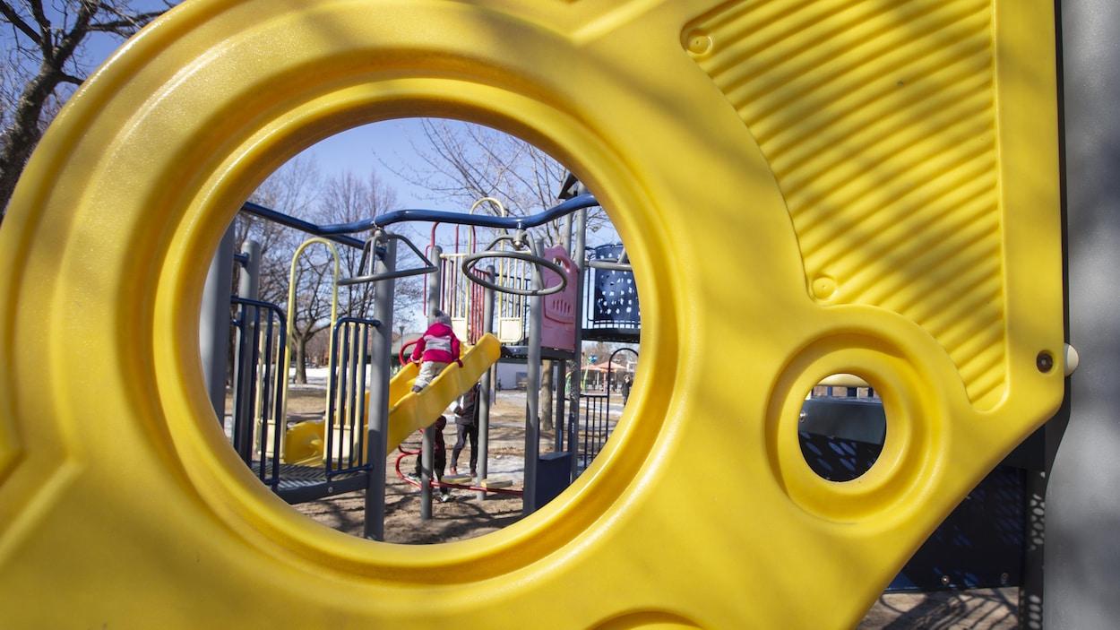 Montréal Ferme Les Modules Et Aires De Jeu Dans Ses Parcs avec Jeux En Ligne De Ferme