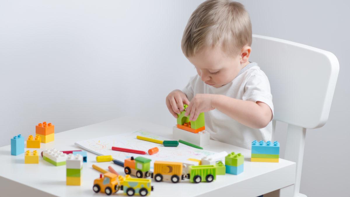 Motricité Jeux Et Jouets, Idées Cadeaux Pour Enfant De 12 pour Jeux Eveil Bebe 2 Mois