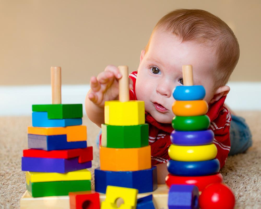 Quel Jouet D'éveil Pour Mon Bébé À Partir De 6 Mois? - Blog Bébé dedans Bebe 6 Mois Eveil