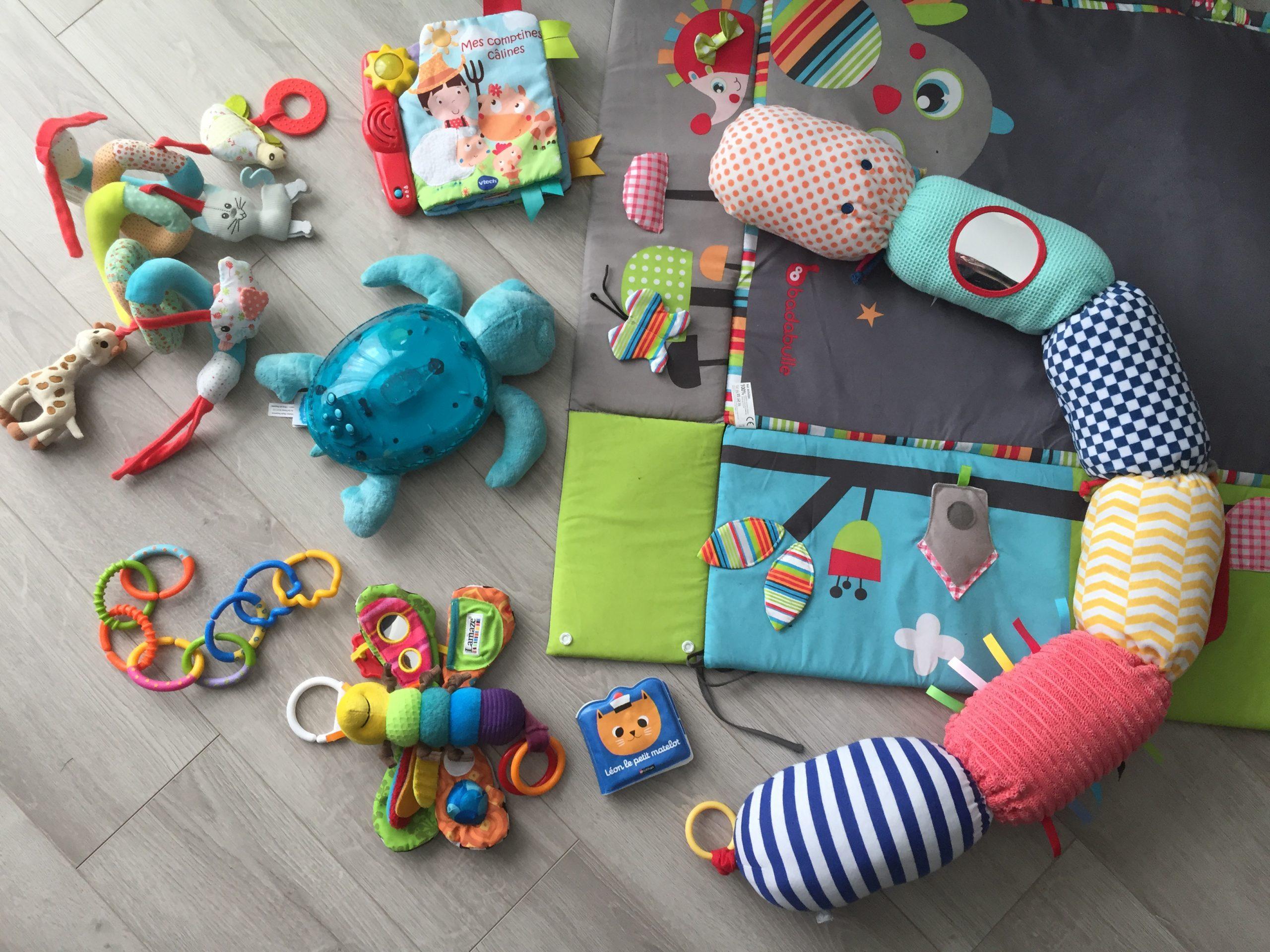 Quels Jouets Pour Un Bébé De 0 À 6 Mois ? | Mamzell-Plume intérieur Bebe 6 Mois Eveil