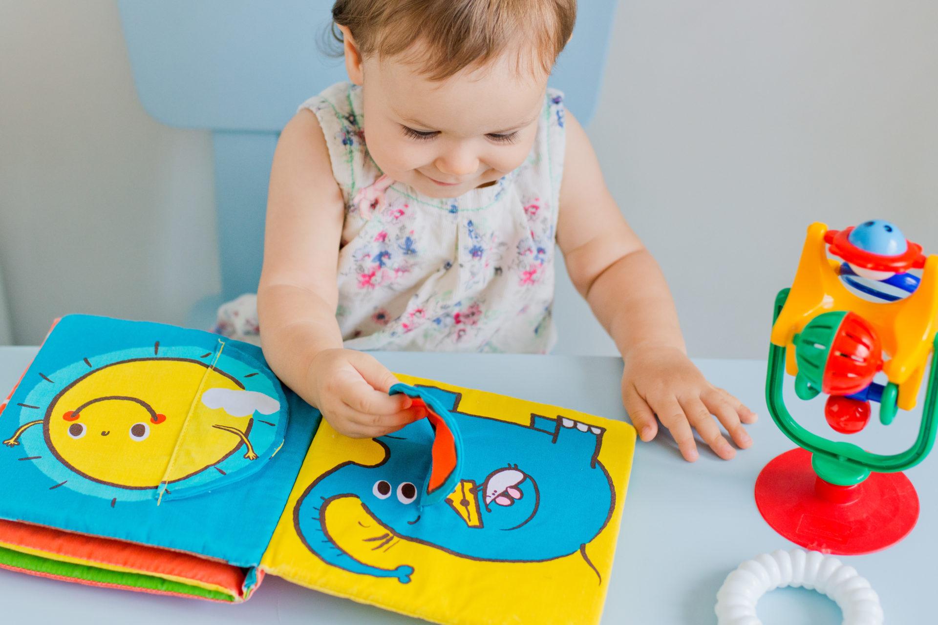 Sélection De Jeux Et Jouets, Poupées En Tissu Pour Les pour Bebe 6 Mois Eveil