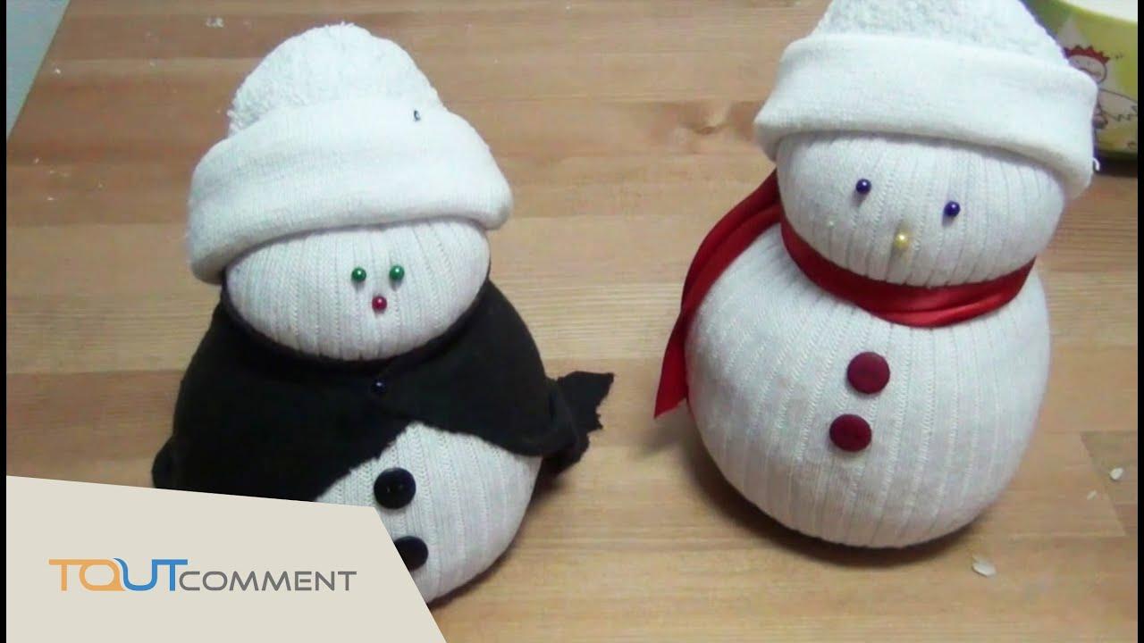 Travaux Manuels Pour Noël - Faire Un Bonhomme De Neige Avec Des Chaussettes  ! intérieur Activité Manuel De Noel