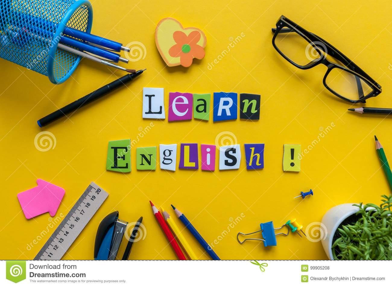 Word Apprennent L'anglais Fait Avec Le Bureau Découpé D concernant Découper En Anglais